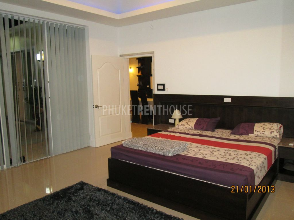 4 bed villa with pool pool house. Black Bedroom Furniture Sets. Home Design Ideas