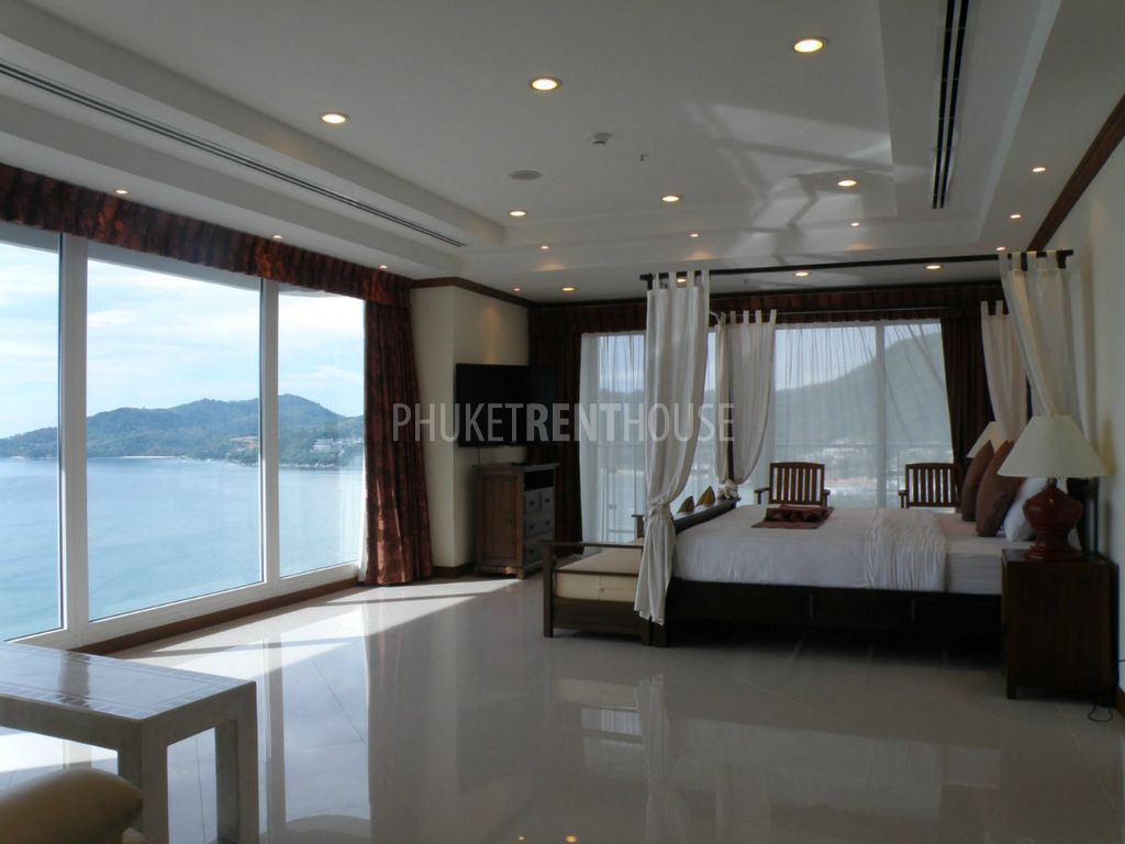 Master Bedroom With Balcony For Rent