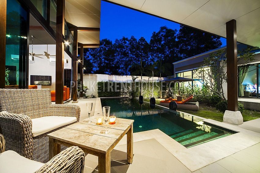 2 bedroom ultra modern villa near bangtao beach for Villa ultra moderne