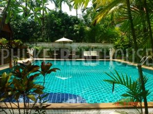 Cha0038 4 bedroom 2 story house with large swimming pool - Houses to rent in uk with swimming pools ...
