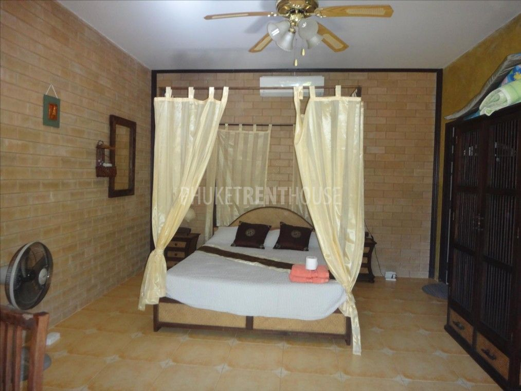 Bungalow with kitchen for rent, in Nai Harn, Nice terrace, Shared Pool