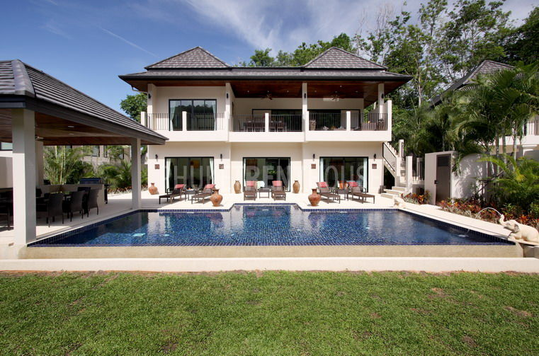 Nai3543 stunning 8 bedroom villa with private pool for 5 bedroom house with pool