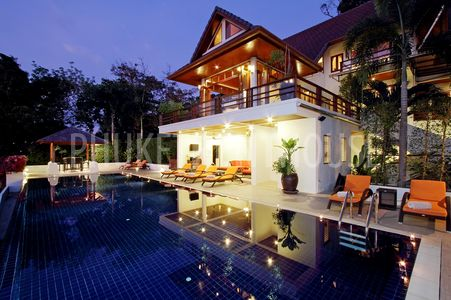 private swimming pool villa