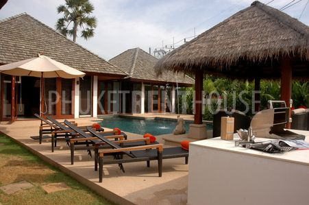 A dream home vacations at your private pool villa, enjoying a special jacuzzi set up in the pool, lie down on the sun bed, test the delicious Thai Food for in & out door dinning etc. Let spend your ti