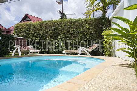 Swimming pool withy jacuzzi,  