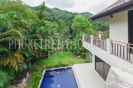 pool villa with 4 bedrooms Phuket