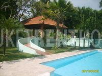 pool side sala