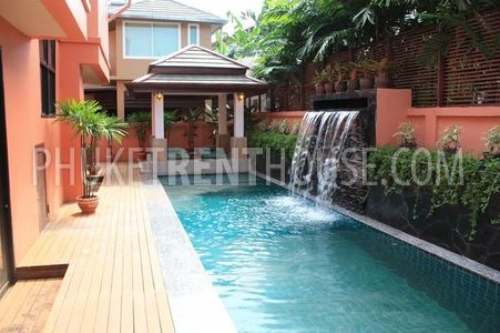 Private pool with Sala