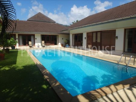 4 bed pool villa for rent, in Kathu, on a Golf