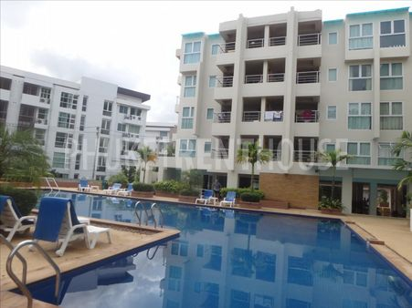 Big Studio for sale, in Patong, next to the whole life. shared pool