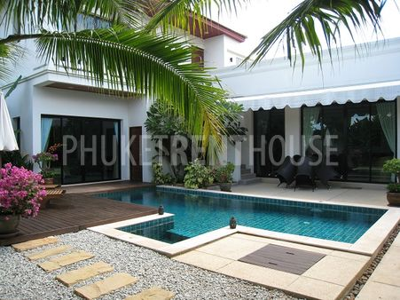 Villa Overlooking the Pool