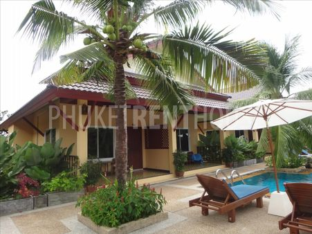 Bungalow for rent, with kitchen and living room, in Rawai, 1 big shared Pool