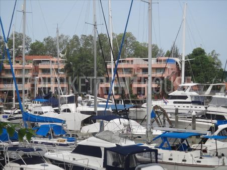 2 bed condo, for rent, with pool, gym, on Boat lagoon Marina, for long term