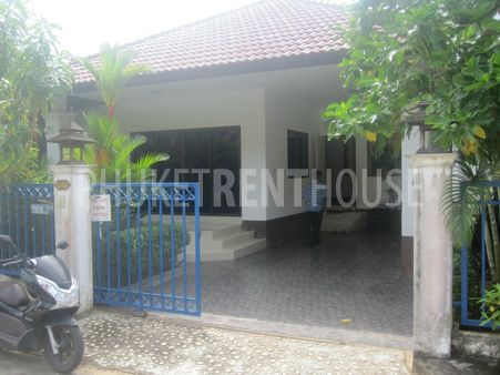 3 Bedroom House, large yard, secure