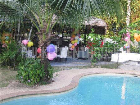 Restaurant - bar - rooms for rent/sale in Laguna