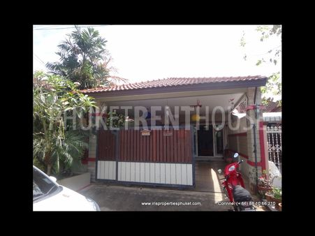 3 bed villa, in Phuket town, quiet area, shared pool