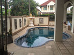 7 bedroom house with swimming pool