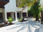Surin Seven Villa - Outer Courtyard