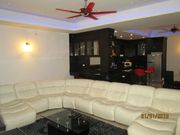 9 SEATED SUITE IN LIVING ROOM