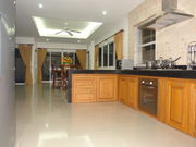 Luxury Western kitchen - fully equipped