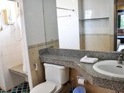 4206 ensuite bathroom
