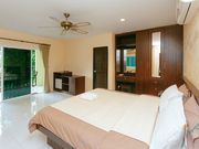 room in Karon
