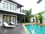 swimming pool villa Laguna