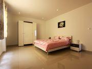 5 bedrooms home