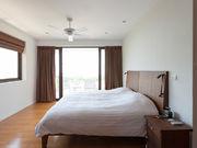 6 beds villa
