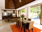 Open-plan kitchen & dining area