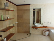 Surin Moon - Guest Bathroom