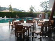 Public Pool,Fitness,bar  8 am.-8 pm. 150 bath/time