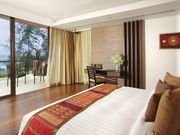 En suite bedrooms with king or queen-size beds with access tothe balcony