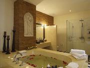Master Bedroom's en-suite
